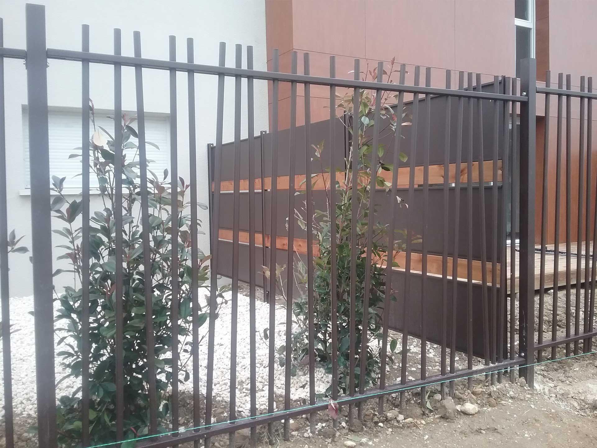 Vente et pose de clôtures et claustra avec Sim Fermetures à Nîmes