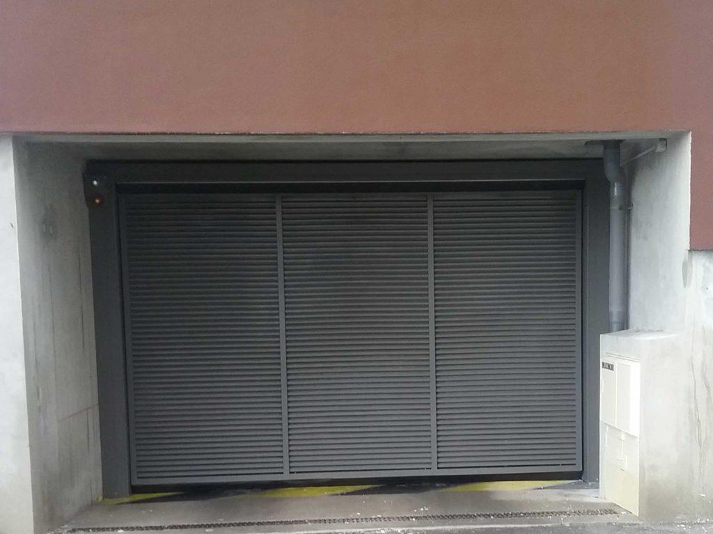 La norme EN 13241-1 : tout savoir sur la sécurité relative aux systèmes automatiques de fermeture
